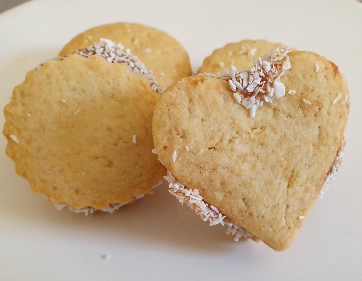 Mini biscuiti cu caramel si nuca de cocos 500 gr