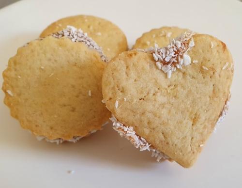 Mini biscuiti cu caramel si nuca de cocos 750 gr